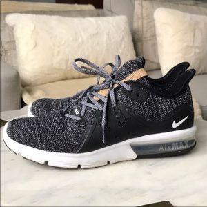 Nike Air Max Tennis